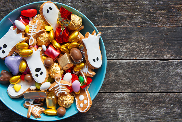 Candy can cause a plethora of problems like cavities. Put your kids on a Halloween plan this year to avoid these dental health problems.